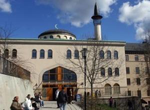 Stockholm-Mosque-560x420-560x330
